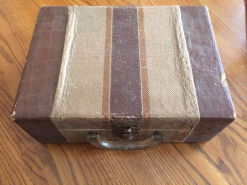 CHILD'S OLD ANTIQUE HARD SIDED SUITCASE LUGGAGE LAST USED TO CARRY 45RPM RECORDS