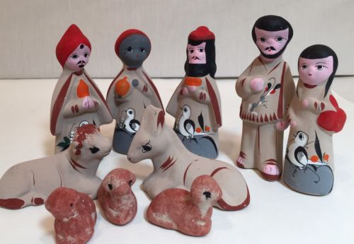 Vintage Mexican Nativity figurines, clay pottery, small 4 1/2 in tallest