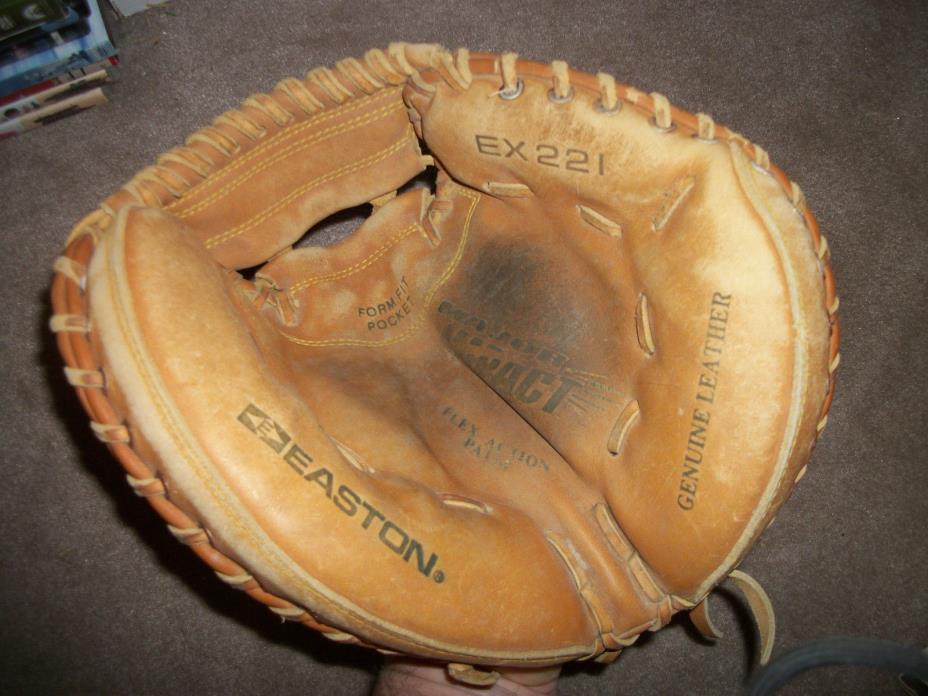 EASTON EX221 Catchers Baseball Mitt  Leather - NICE