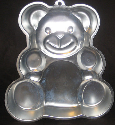 VINTAGE WILTON TEDDY BEAR BIRTHDAY CAKE  PAN 1982
