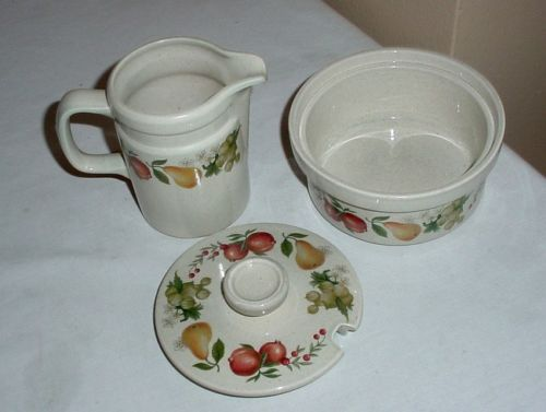 WEDGWOOD • QUINCE • CREAMER & SUGAR w/ LID • Excellent Condition !