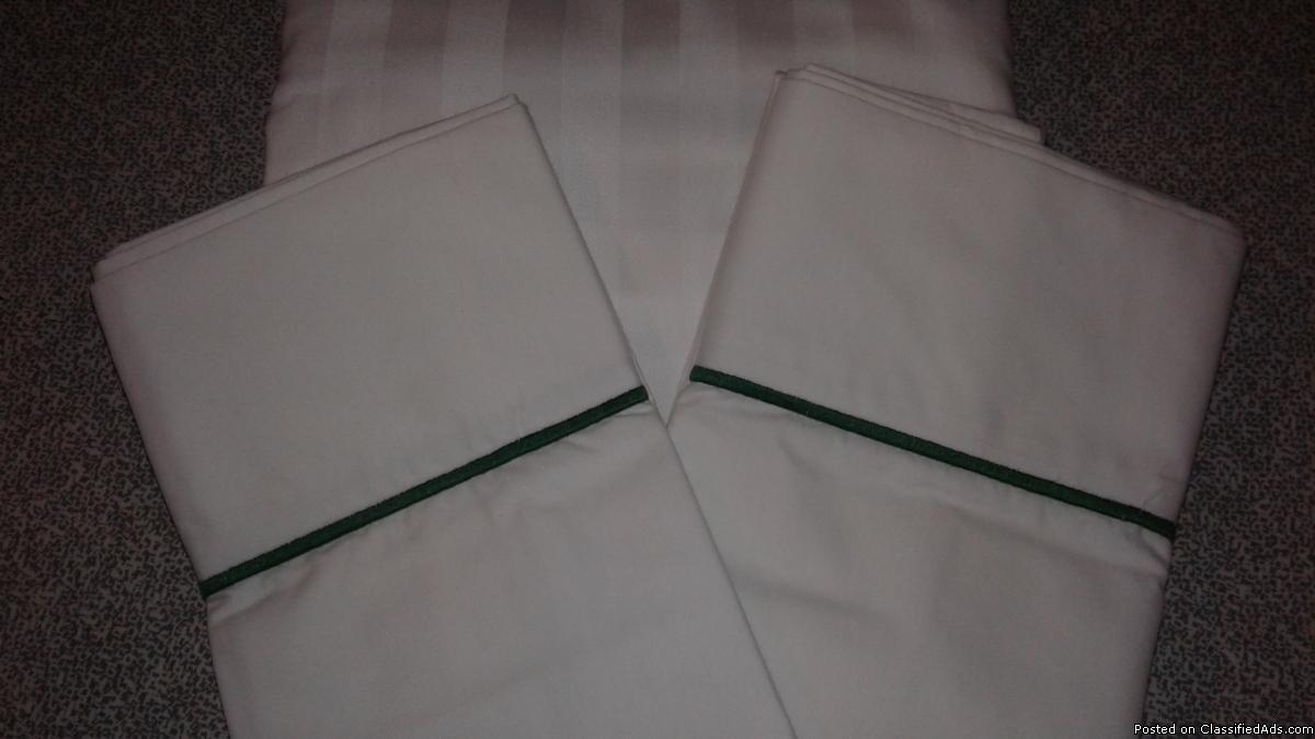 3 PC. WHITE QUEEN SATIN STRIPE W/ GREEN DECORATIVE TRIM SHEET SET-NEW