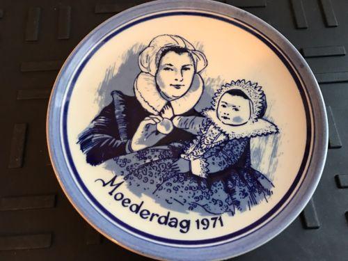 Vintage Genuine Delft Moederdag 1971 Wall Hanging Plate Schoonhoven Holland