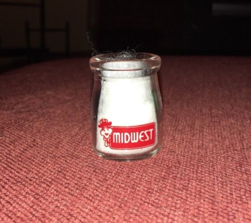 Vintage Early Glass Dairy Creamer Single Sided Midwest (2)