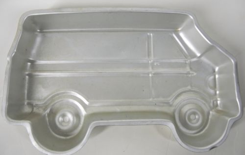 vtg WILTON Big Van Mystery Machine Birthday Cake Pan 1978 Aluminum 502-7652 Bus