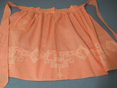 LADIES VTG EMBROIDERED PINK WHITE COTTON GINGHAM APRON UNUSED WHITE STITCHES A+