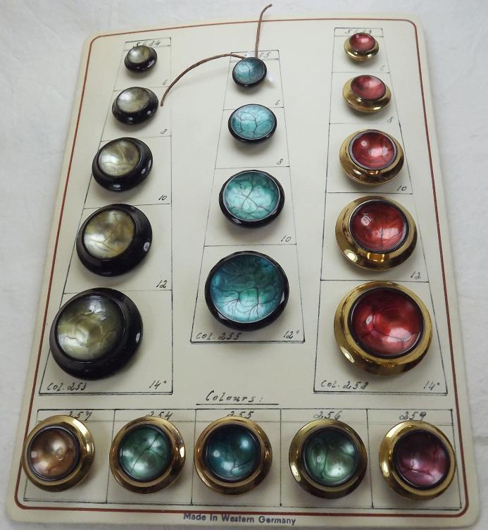 AMAZING 19 Glass Buttons - Beautiful Painted Couture 4-Way Box Shank - c.1945