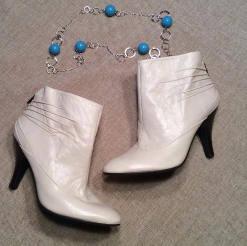 Nine West Idinar Ivory Cream Leather, Ruched  Ankle Boots, Size 6M