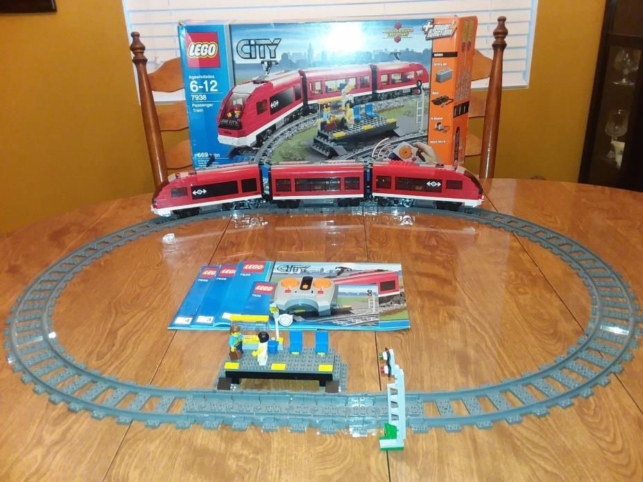Lego 7938 Passenger train complete