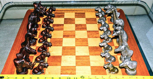 RIP CASWELL, VERY RARE SOLID BRONZE CHESS SET, FIGURES, SAFARI ANIMALS, 9/35
