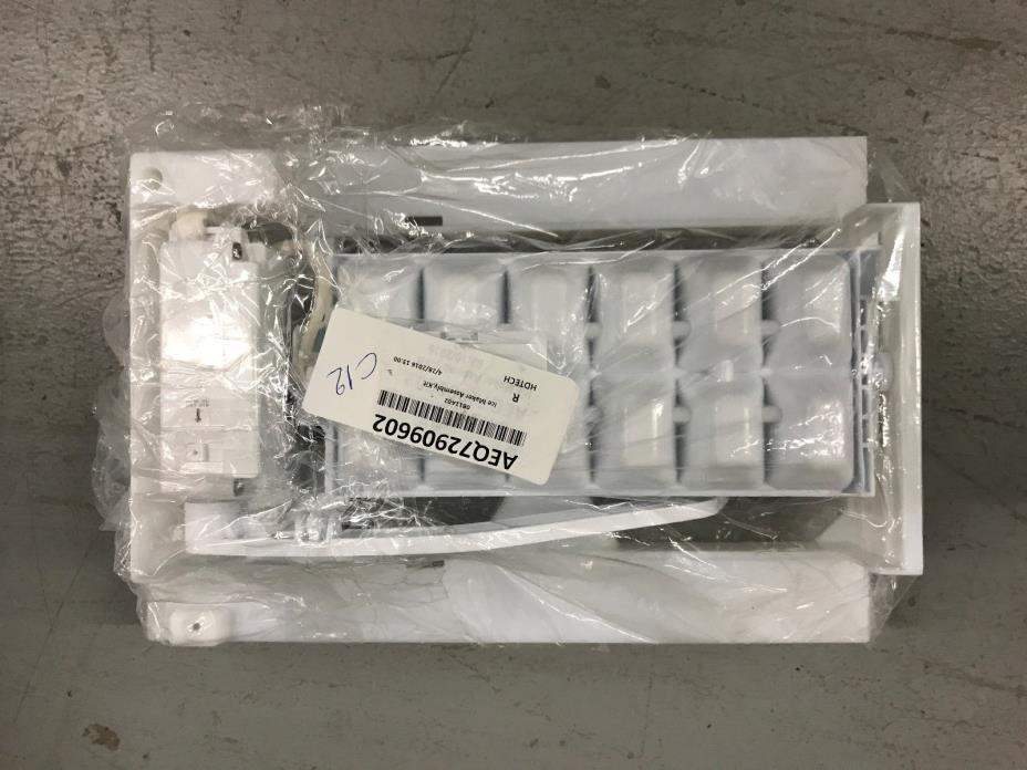 Refrigerator Ice Maker Assembly AEQ72909602