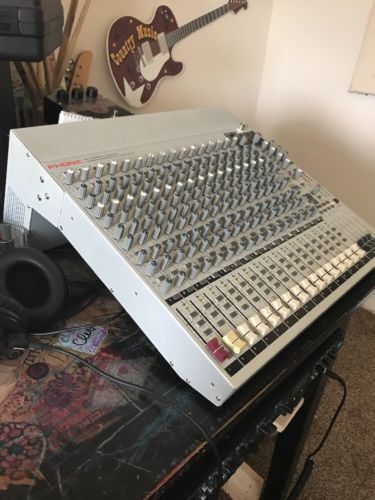Phonic Mixer Helix Board 24 Firewire MKII 24 Channels 16 Mic / Line - Live Sound