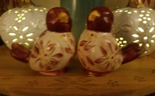 temp-tations old world cranberry love birds salt and pepper shaker set