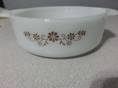 Vintage Dynaware Brown Daisy Milk Glass Round Casserole Dish