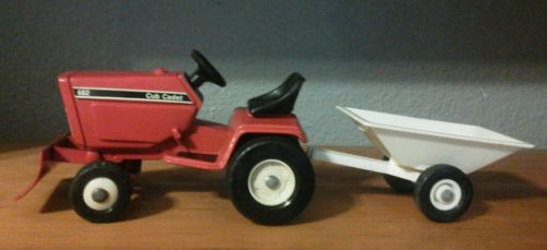 1/16 Cub Cadet 682 Lawn & Garden Tractor w/ Blade and Tilt Bed Cart.