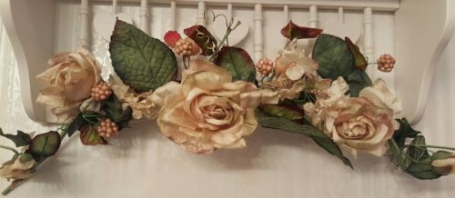 *Home Interiors Ivory Tan Silk Rose Berry Floral Swag Wall Picture Decor*