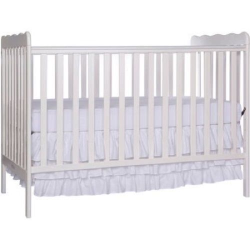 Classic 3-in-1 Convertible Crib, Convertible Playpen and Toddler Daybed NEW