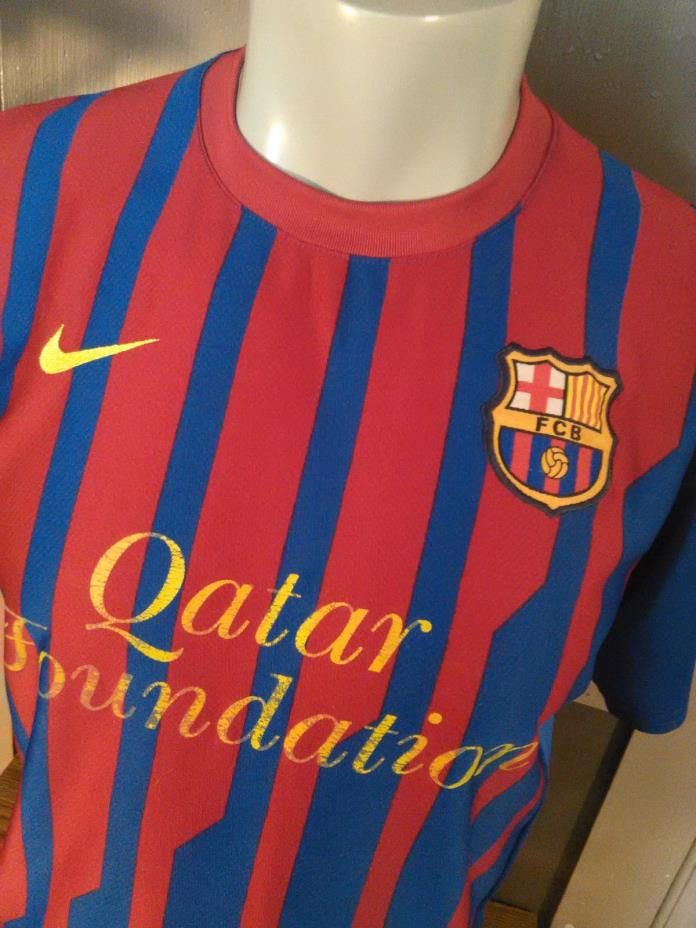 Nike  FC Barcelona Soccer 2011 Home Jersey (Men's Large)