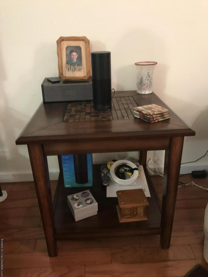 Coffee table and matching end table for sale classifieds Matching coffee table and end tables
