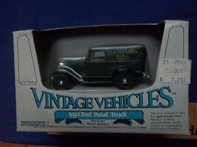 Ertl 1:43   1932 Ford Panel Truck - Perfection Stove  Die-Cast Vintage Vehicles