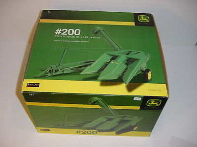 1/16 John Deere #200 Two-Row Corn Picker by Spec Cast NIB!