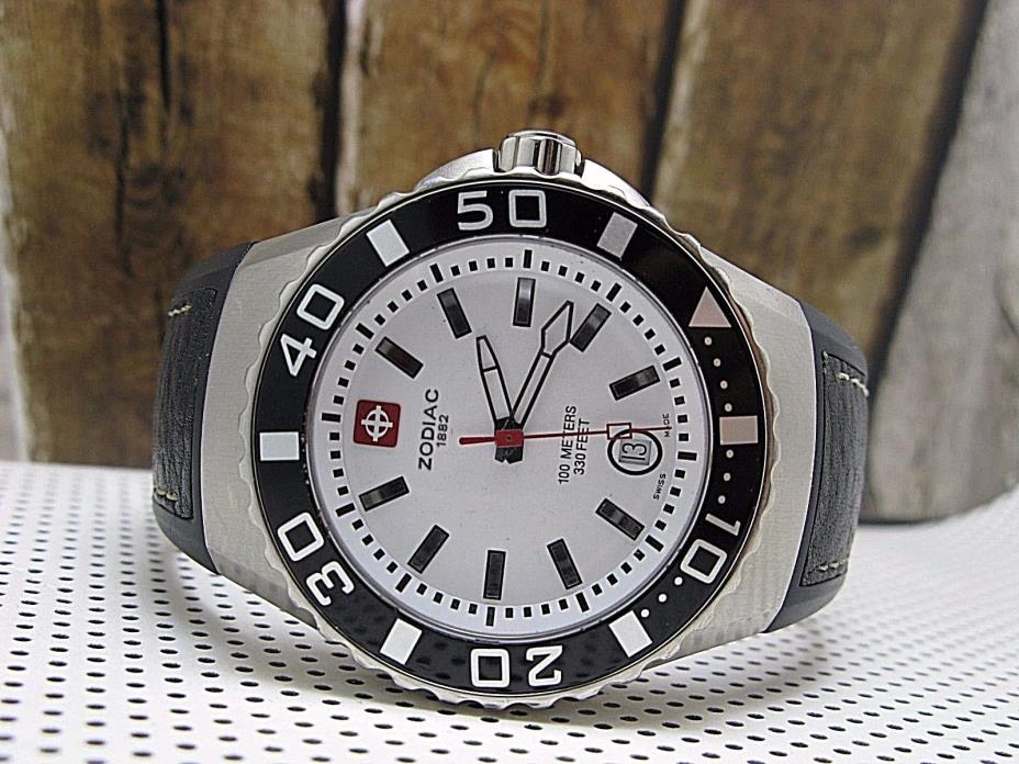 ZODIAC SWISS WATCH CLASSIC ZO2403 330FT WATER RESISTANT