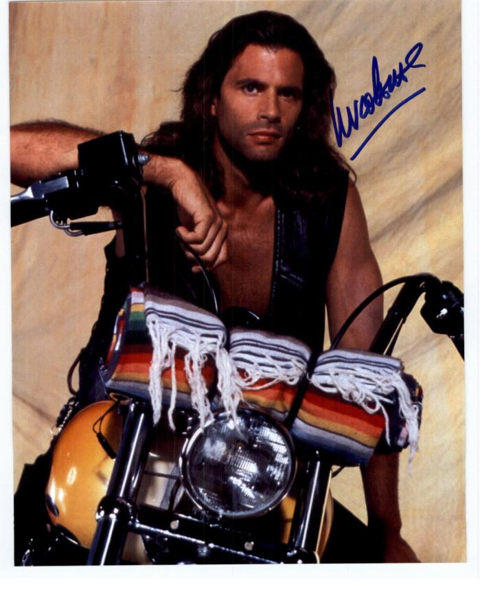 LORENZO LAMAS  SIGNED 8X10 AUTOGRAPHED PHOTO FALCON CREST GREECE RENEGADE