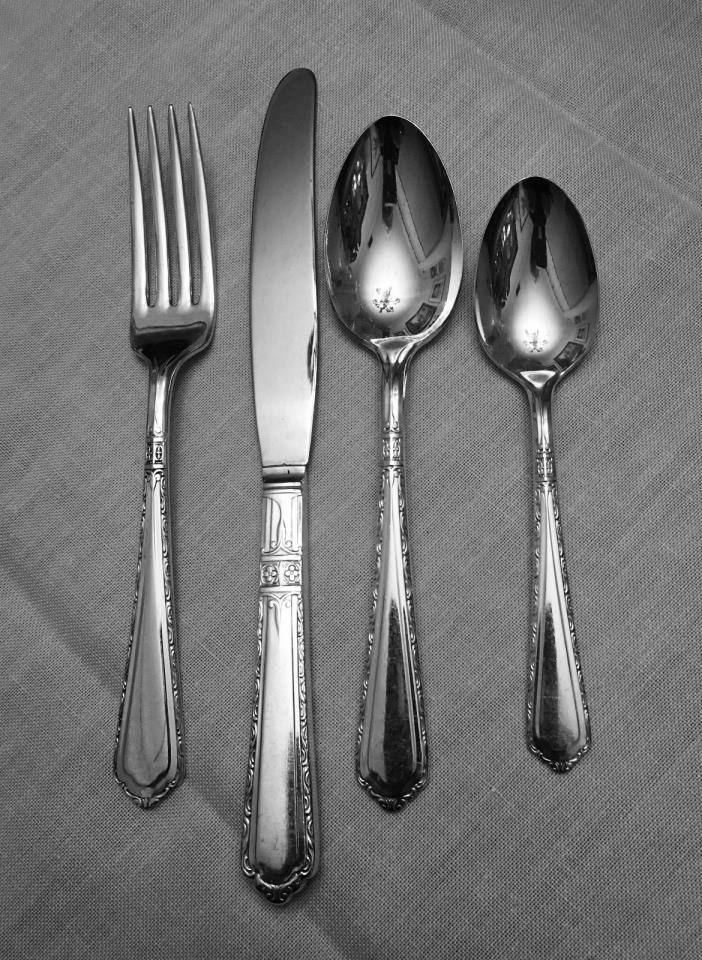 4 Piece Set Wallco Sectional A1+ Carlton Cromwell Silver plate Flatware 1925