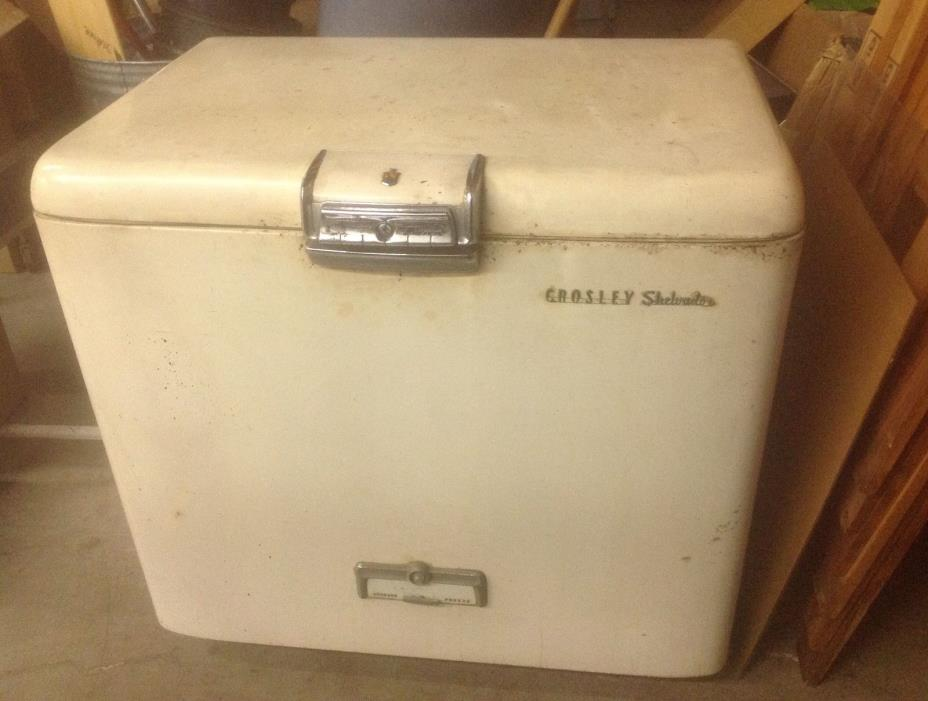 Working 1940's/50's Avco Crosley Shelvador Chest Freezer (Freezes Great!)