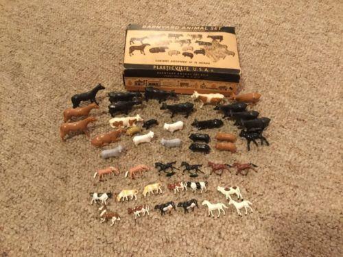PLASTICVILLE Vintage BARNYARD ANIMALS Set 26 Animals + 18 Miniature Metal Animal