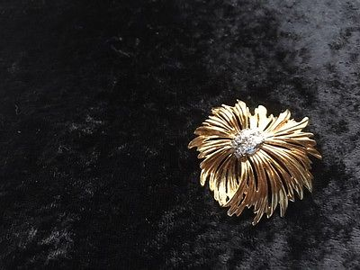 Luxurious 18KT Yellow Gold/Diamond Pin Pendant (Trademark Dankner copyright)