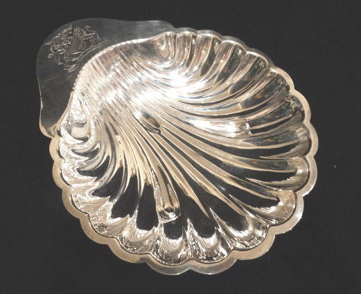 Vintage M& R English Silverplate Shell Lemon Server, 8.5