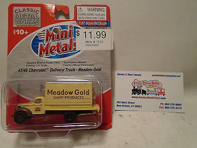 CLASSIC METAL WORKS #30297 HO SCALE 1941/46 CHEVY DELIVERY TRUCK MEADOW GOLD DA