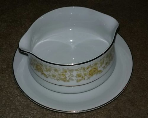 Vintage Chadds Ford Fine China Golden Rose Gravy Server w/ Attached Underplate