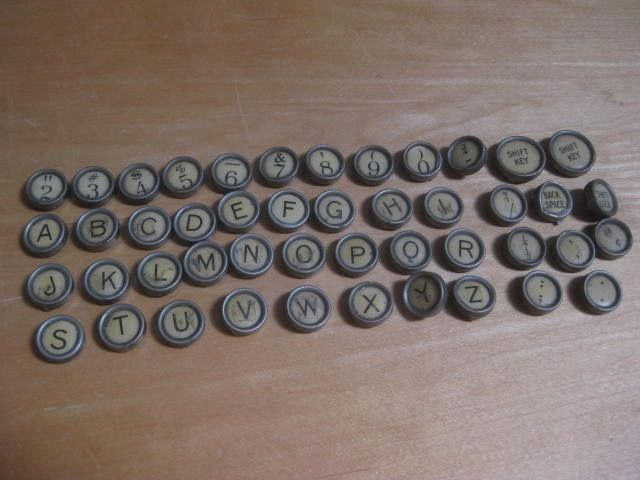 VINTAGE WHITE REMINGTON PORTABLE TYPEWRITER KEYS PINTEREST CRAFT