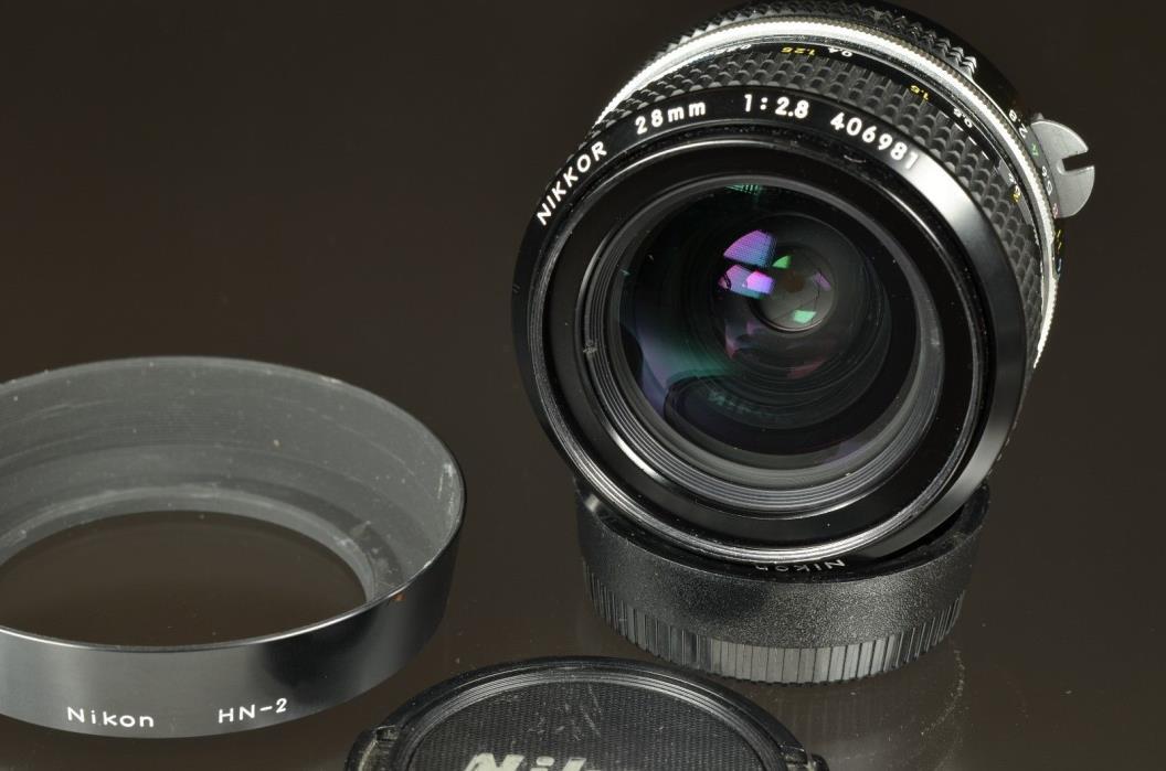 Nikon 28mm f2.8 Nikkor NON AI Lens WIDE ANGLE fits Digital Nikon Cameras + EXTRA
