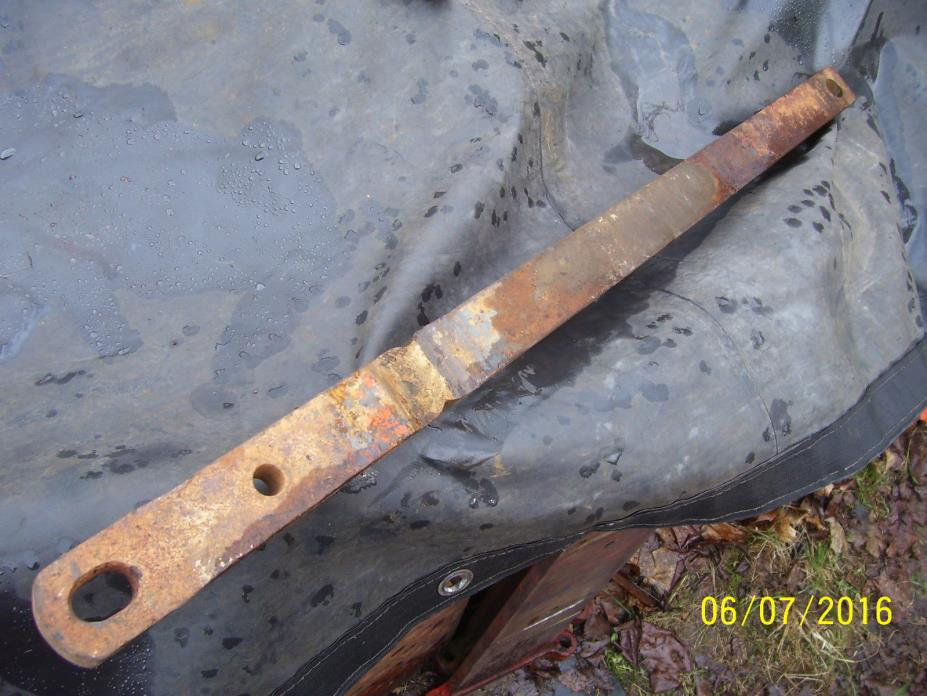 VINTAGE  COOP E 3  TRACTOR - SWING DRAWBAR