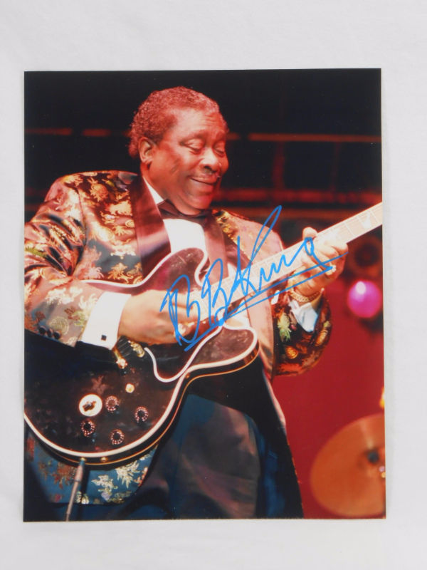 BB King SIGNED 8x10 Color Photo AUTOGRAPHED