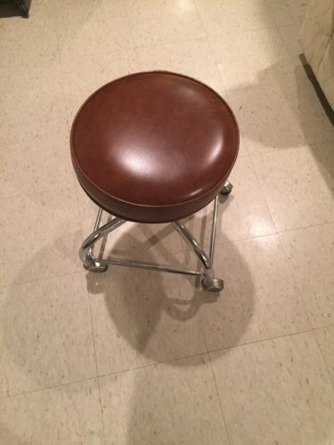 Brown Rolling Exam Stool Excellent Quality- Local Pick Up. Priced To Sell!