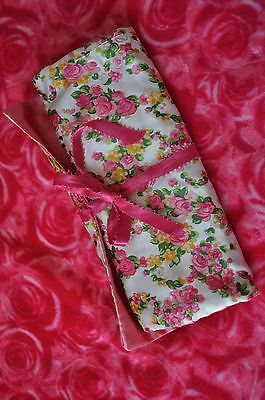 Vintage Andre Richard Pink Floral Satin Jewelry Make-Up Bag EEVC