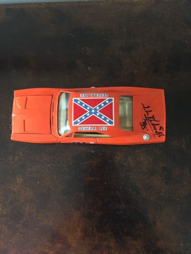 General Lee toy Car, Signed by Bo.