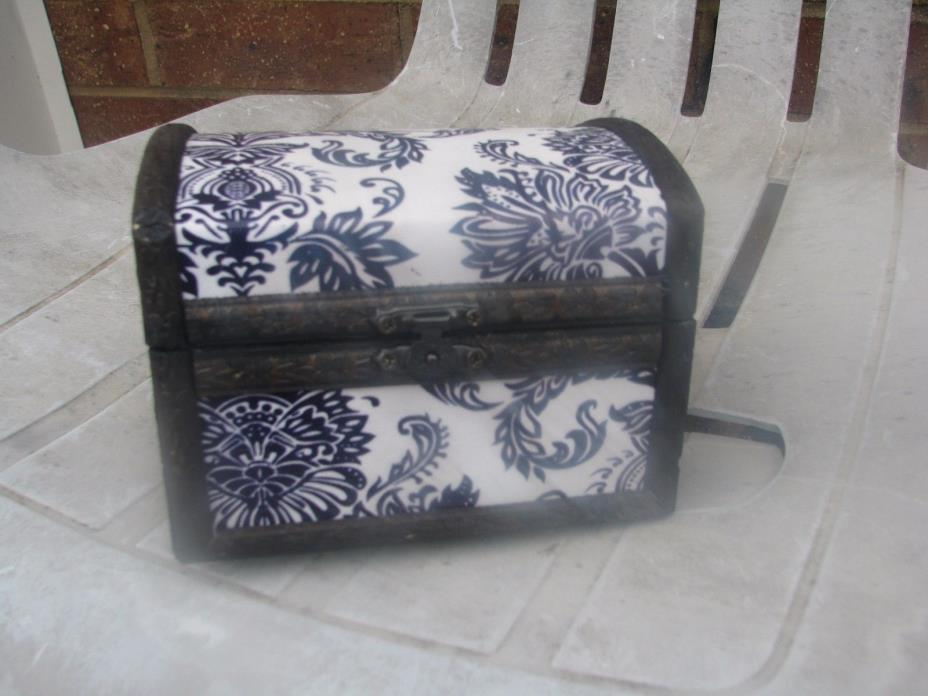 vintage chest purple and white design you can store jewlery in it.