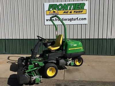 John Deere 2500E Riding Mowers