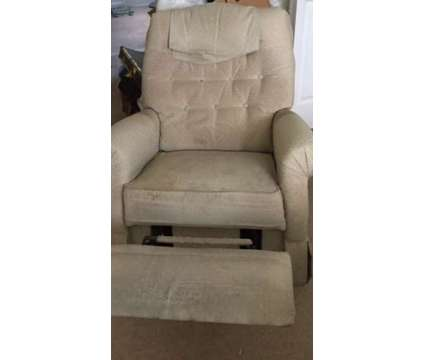 3 Lazy Boy Chairs â??Church Hill MD 21623