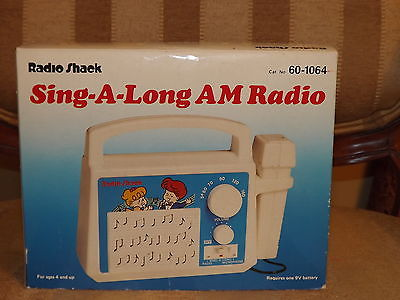 Childrens Radio Shack Sing A Long AM Radio With Microphone MIB