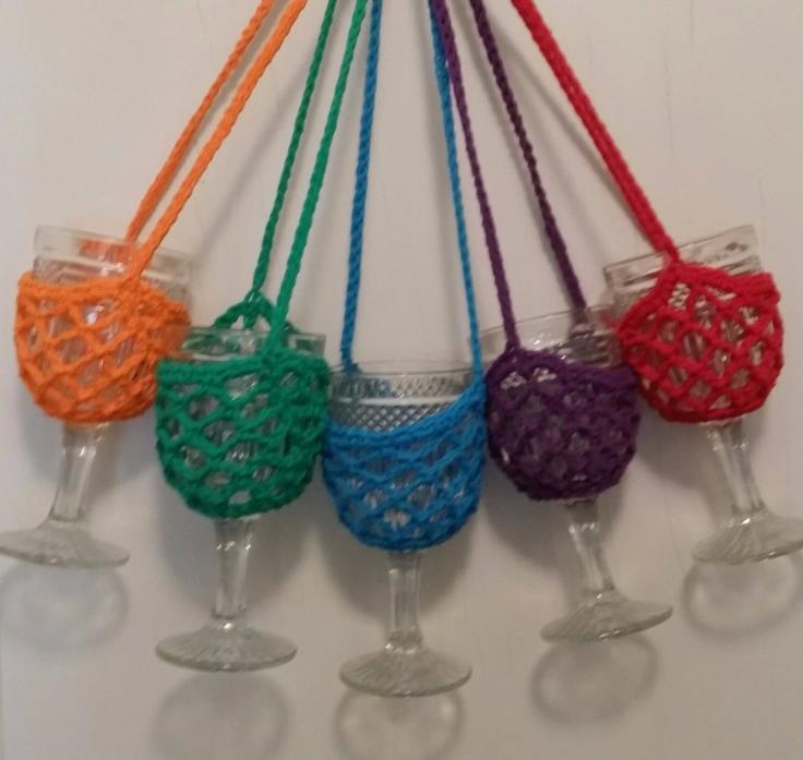 Set of 5 Wine Glass Holders. Wine Glass Lanyards. Wine Glass Necklaces. Novelty.