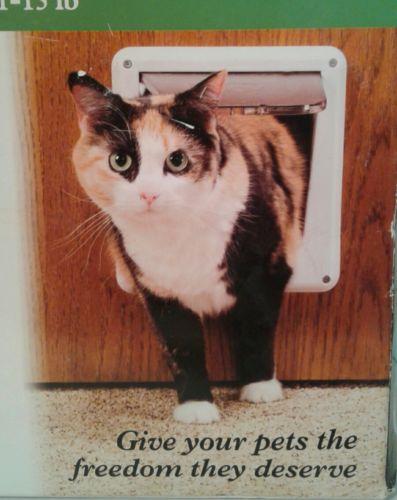 PetSafe Deluxe Locking Cat Flap P1-4W-11 4-Way Cat Door EASY INSTALLATION Kitten