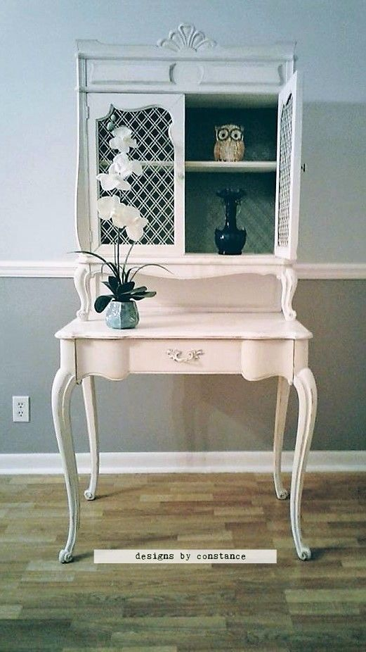 French Provincial Desk with Hutch