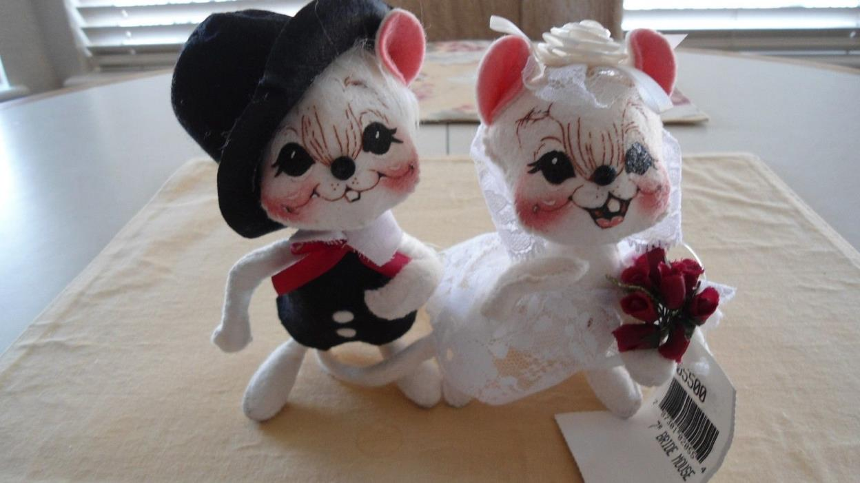 Annalee Doll Mouse Bride and Groom Couple 7 inch