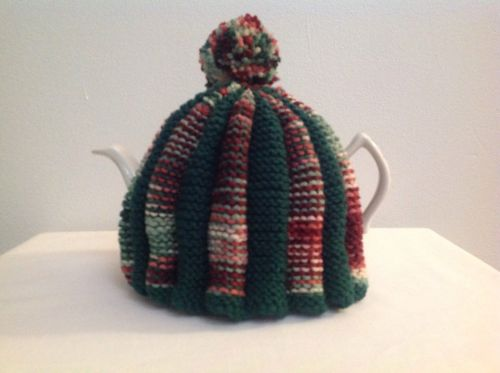 Tea Cozie, Green, Rust & Green For A 6 Cup Teapot.